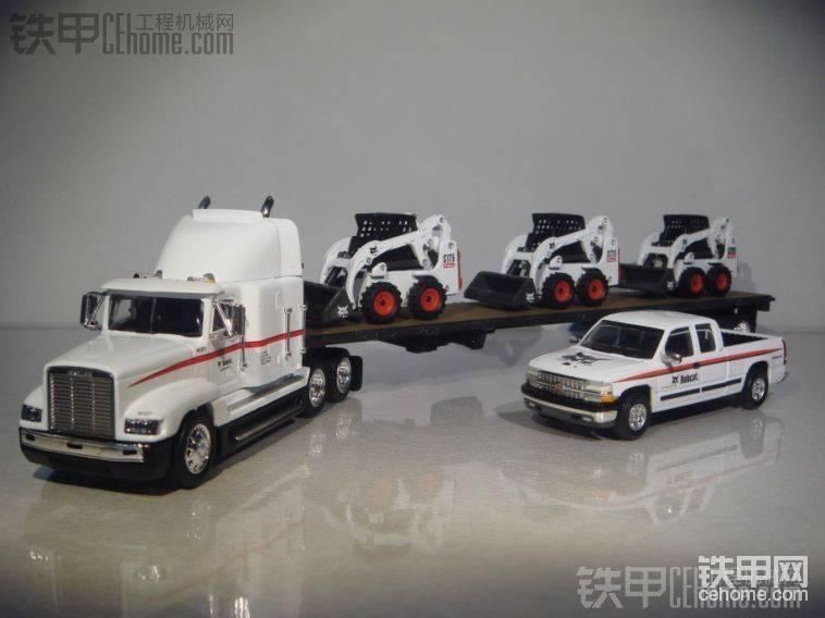 山猫滑移S175、430挖机运输车 1:50 BOBCAT 原厂模型