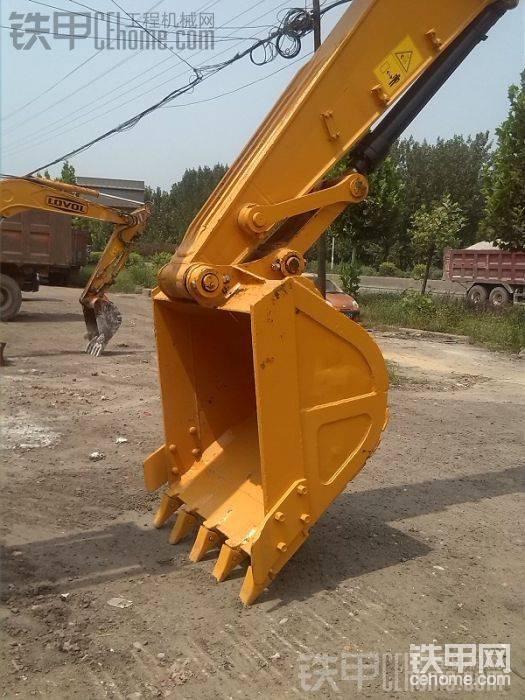 公司出售雷沃FR220—二手挖机帖子图片