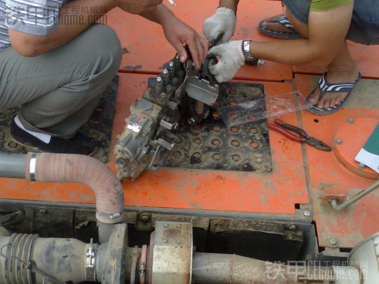 雷克萨斯油泵电路图