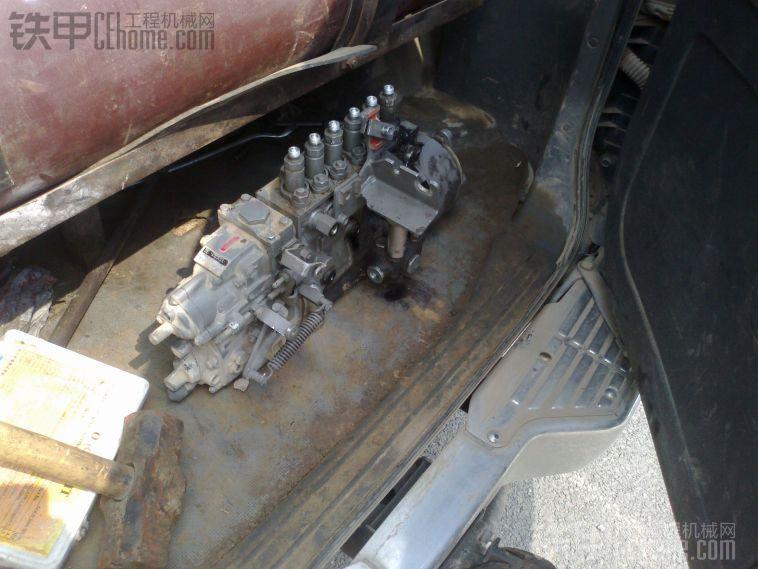 日立ZAXIS330-3G拆卸柴油泵过程分享