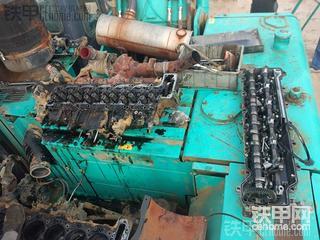 挖掘机发动机排气管烟色大,伴随异响的故障排除!