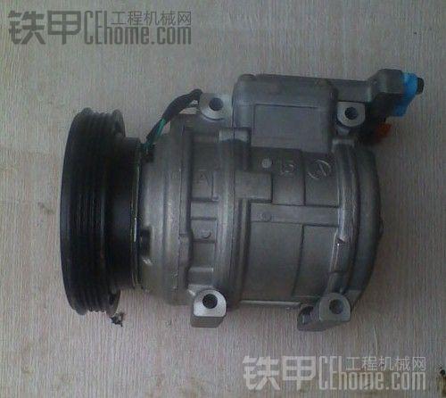 出售一台大宇225-7空调压缩机