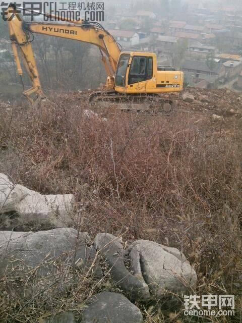 現代215挖掘機河北山上修路-帖子圖片