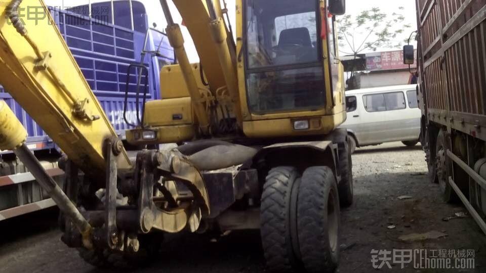 纯原装韩国现代1400w-7轮式挖掘机