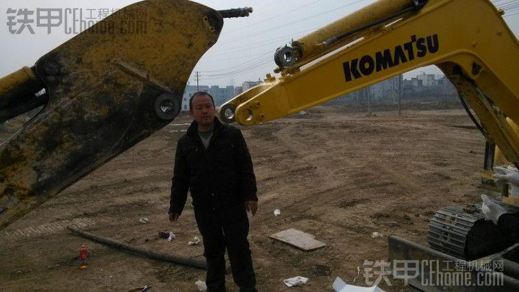 挖掘机大小臂不同时工作是什么原因图片