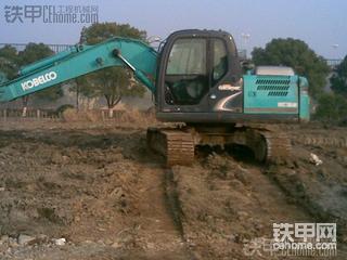 神钢SK130-8挖掘机4200小时使用报告
