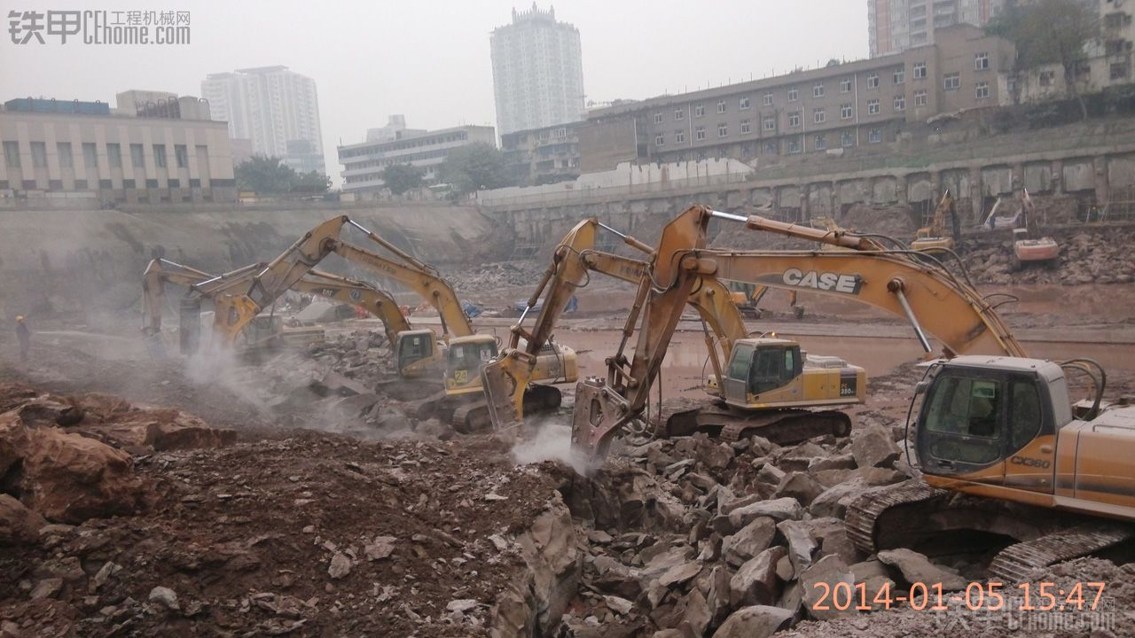 继续上图~!重庆长寿日立ZAXIS470挖掘机及其他
