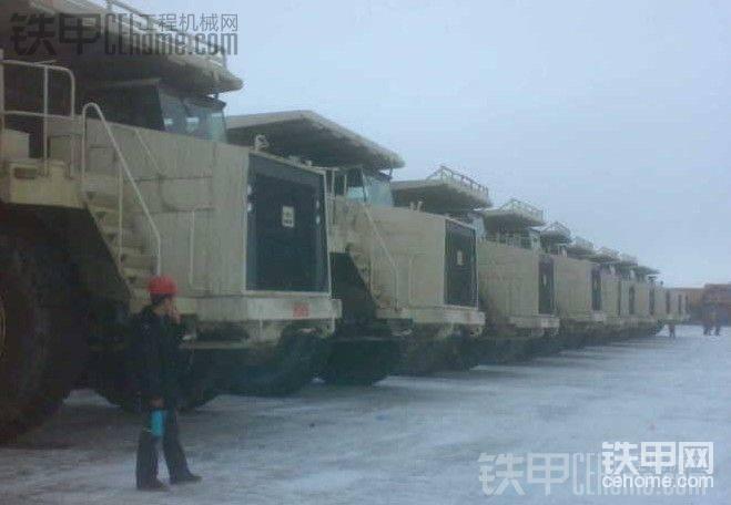 220吨 别拉斯75306矿用自卸车