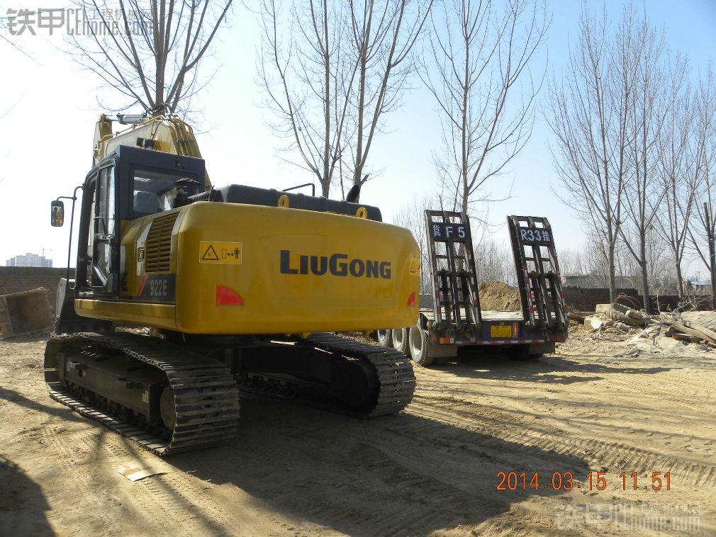 柳工922E和柳工906D 315特别的日子 特别的新车作业