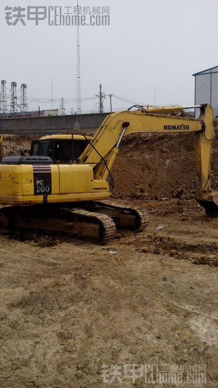 老板想用这台挖机置换一台200或200以上的挖机{旧机} 甲油们怎么看