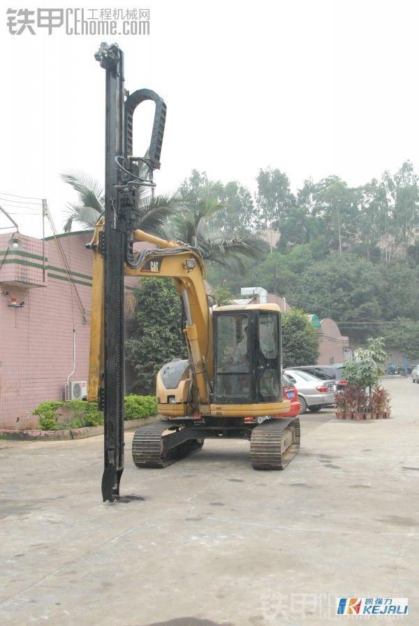 挖掘机改钻机,一机多用,一天钻孔300米,日进万金