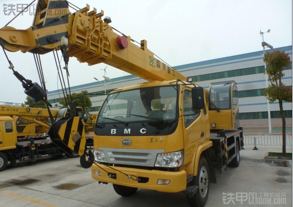 8吨吊车哪家好,如何选择适合自己的8吨吊车?