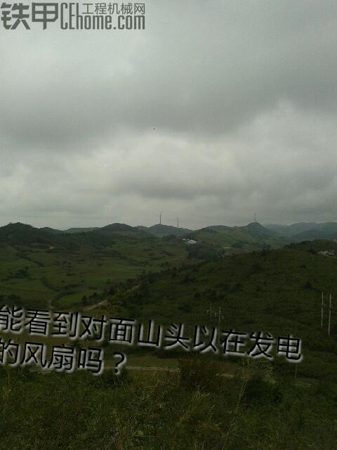湖北利川七岳山风利发电之挖掘机修道路
