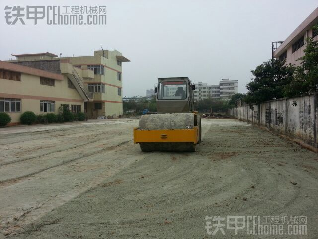 因想转行,无奈出正在广东干活的压路机,各方兄弟多多关照。