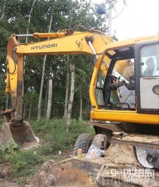 出售二手现代胶轮挖掘机210一台-帖子图片