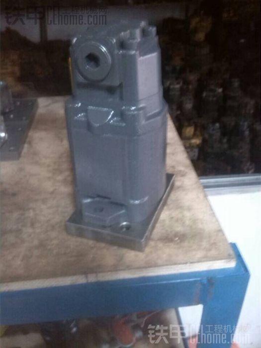 一个全新ZX60齿轮先导泵,低价转让。