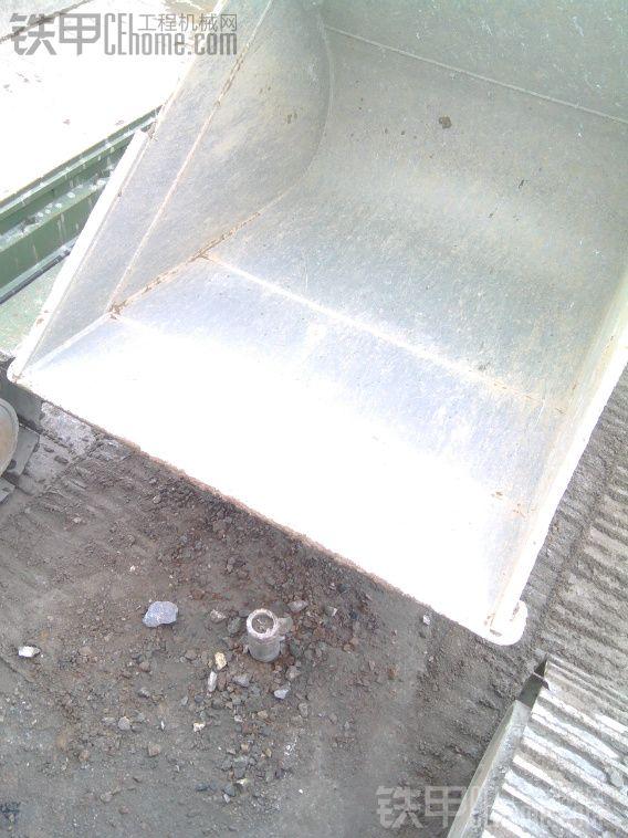 挖机斗宽度_【现代60系列挖掘机40厘米宽度挖沟斗可定做
