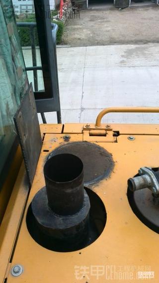 临工953保养之油浴式进气预滤器清洗全过程!