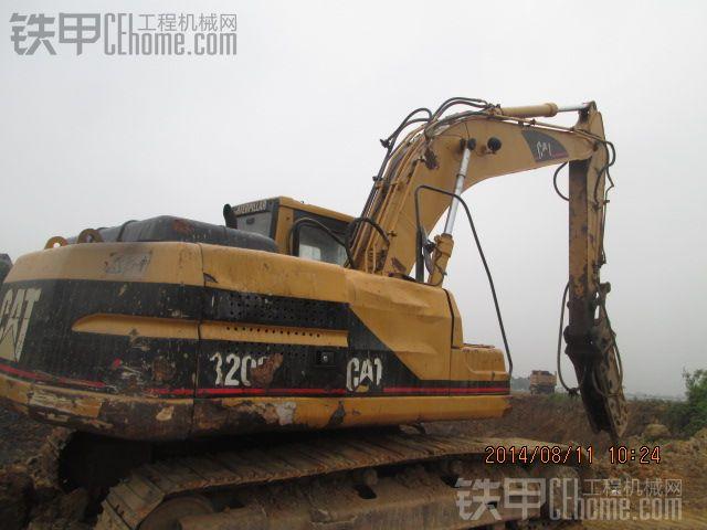 卡特 CAT320B 挖掘机 10000小时 24万图片