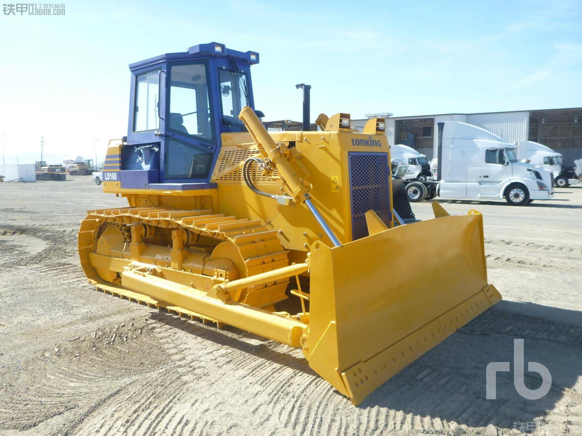 龙工LD160在美国拍价25万RMB