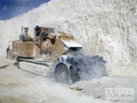 """意大利的露天采矿机:泰斯美克""""碎岩金刚"""""""