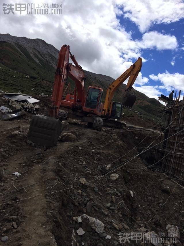 小松240置换现代225-7挖掘机,迟来的作业报告。