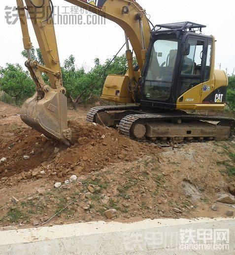 卡特311CU挖掘机加拖车出售