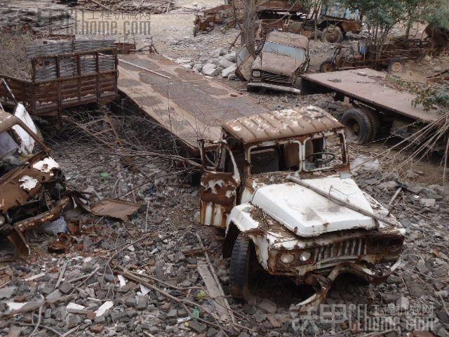 【铁甲五周年】风化的艺术,无尽的遐想!--带你走进上世纪九十年代的事故报废停车场