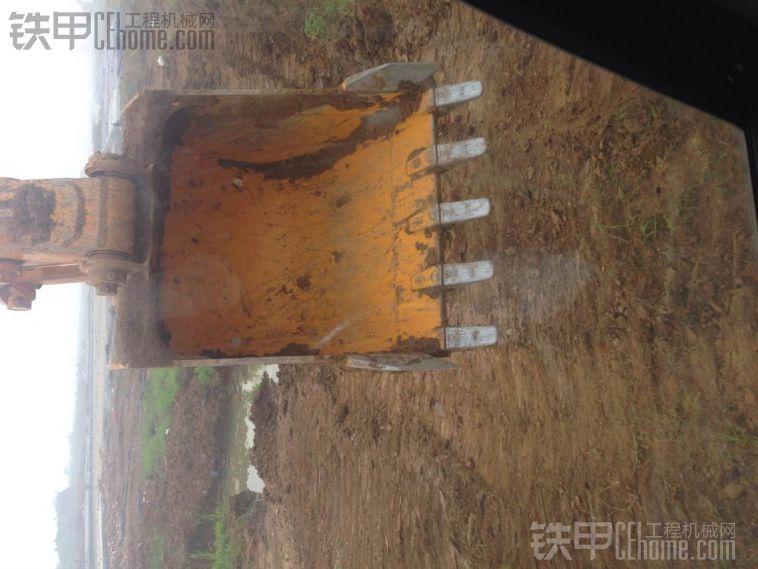最低油耗不过15升 加藤HD820R挖掘机使用报告