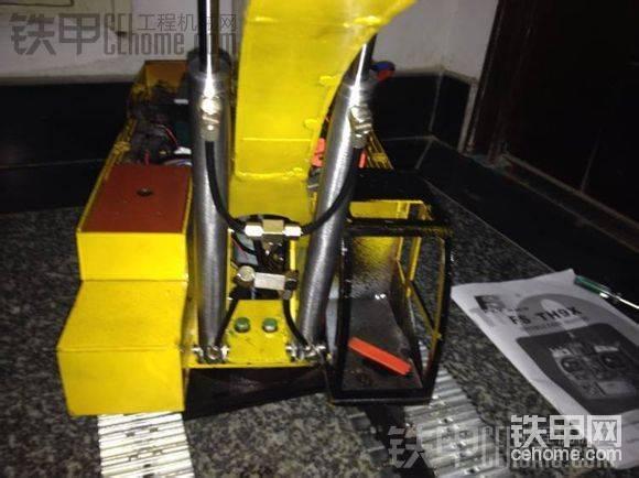 自制挖掘机模型,已经完工