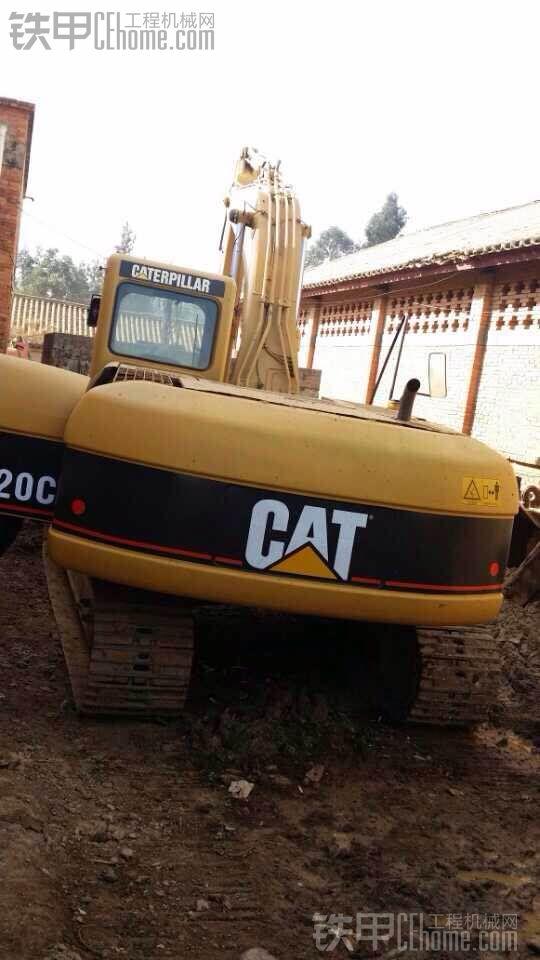 卡特彼勒 320C 二手挖掘机价格 40万 8000小时