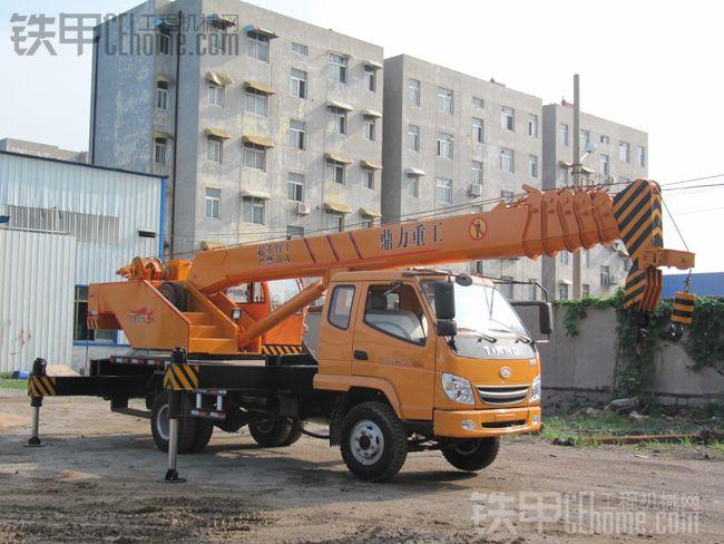 农村建房子-10吨吊车