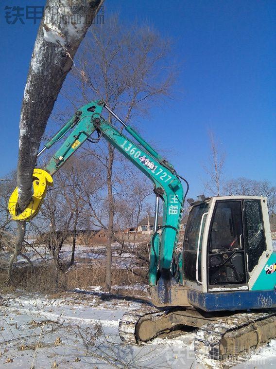 石川岛60加装个机械抓木器