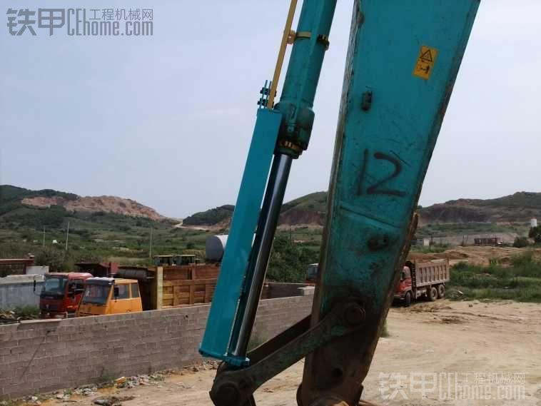 神盾 挖掘机液压杆防护罩使用报告