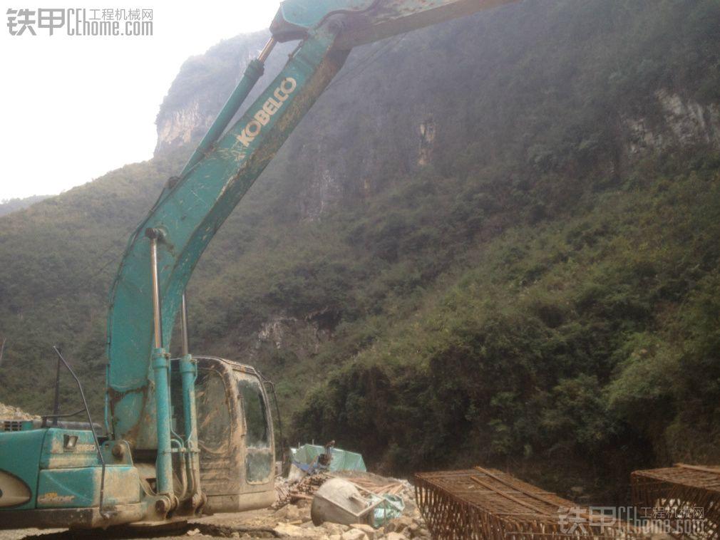 神钢 SK210LC-8 二手挖掘机价格 29万 10000小时