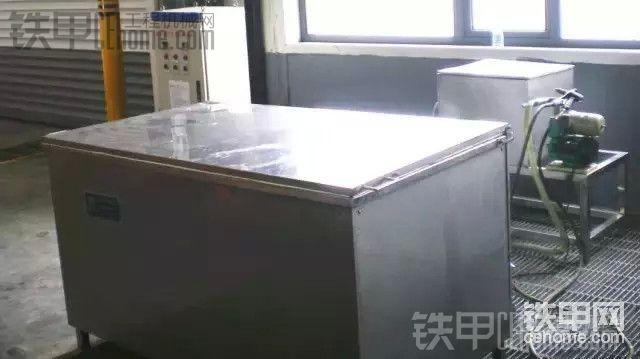 清洗液压零部件的设备