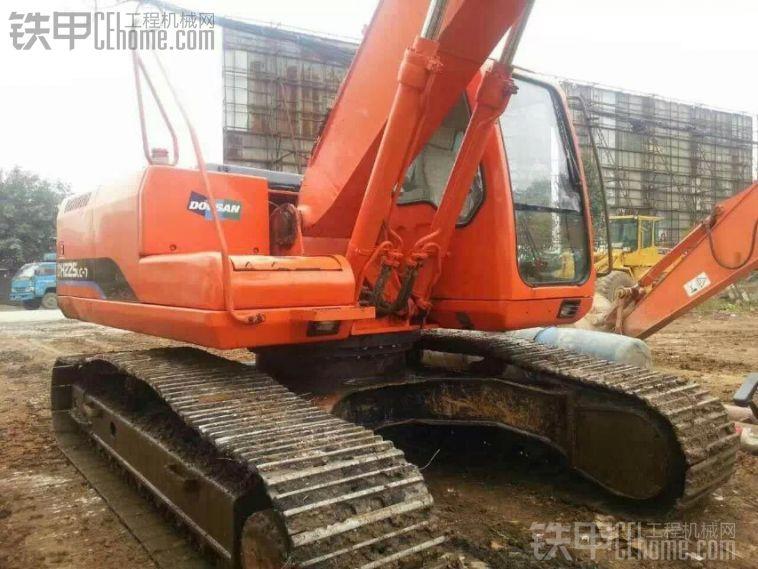 斗山 DH225-7 二手挖掘机价格 31万 6900小时