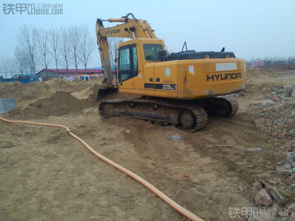 现代225-7挖机用斗子能不能拆三层楼农村家用房
