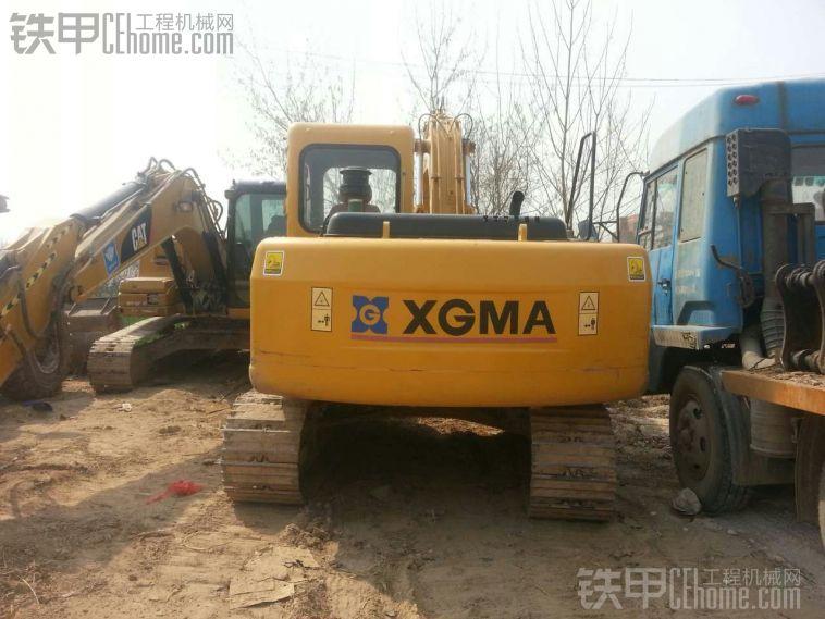 厦工 XG815LC 二手挖掘机价格 32.8万 1100小时