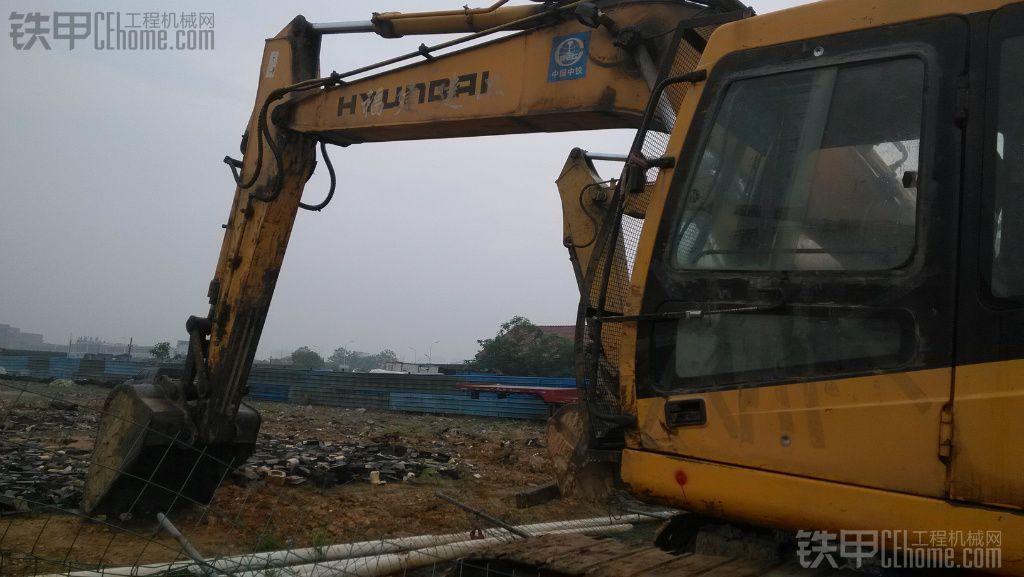 现代 R215-7C 二手挖掘机价格 23万 15000小时