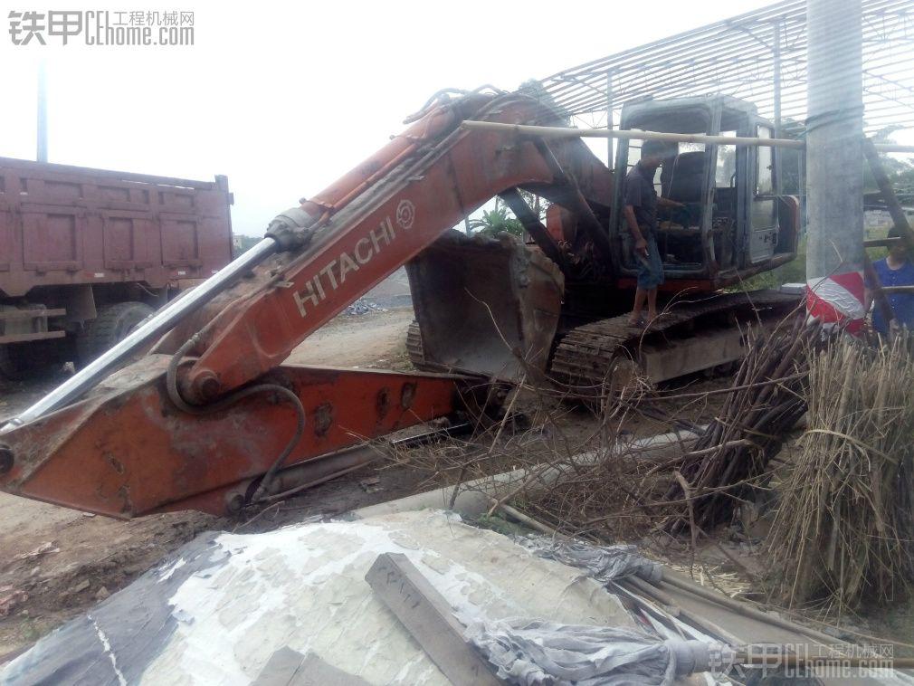 日立 EX200 二手挖掘机价格 11.5万 1小时