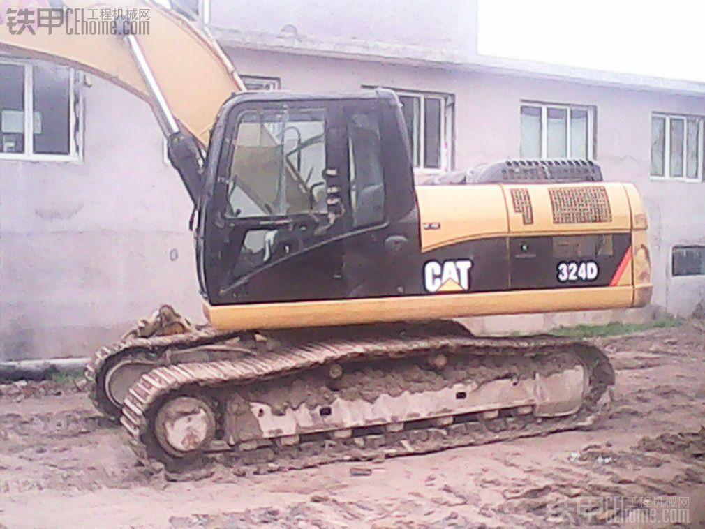 大家帮忙看下,我买的这台10年卡特324d挖机53万值不值