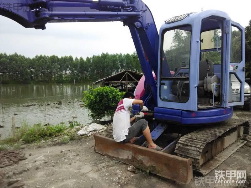 小松 PC50UU-2E 二手挖掘机价格 6.5万 5825小时帖子图片