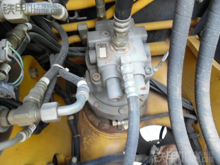 加藤 HD512 二手挖掘机价格 45.5万 3232小时