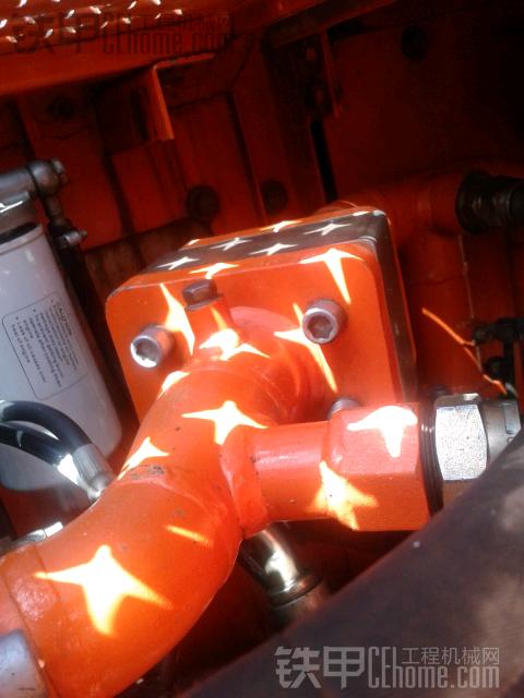 斗山225-7液压油回油阀是不是这个