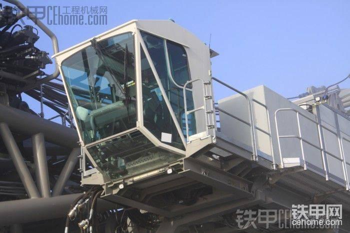 利勃海尔LR13000起重机