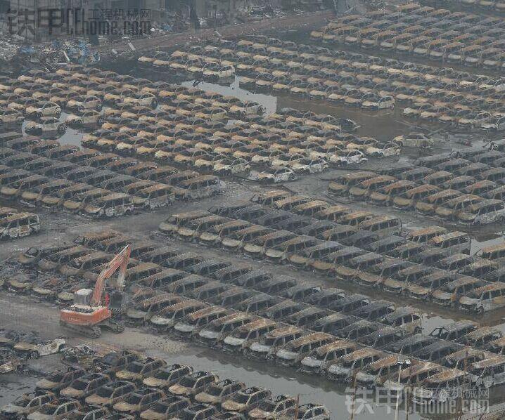 天津港清理工作,你们都是英雄