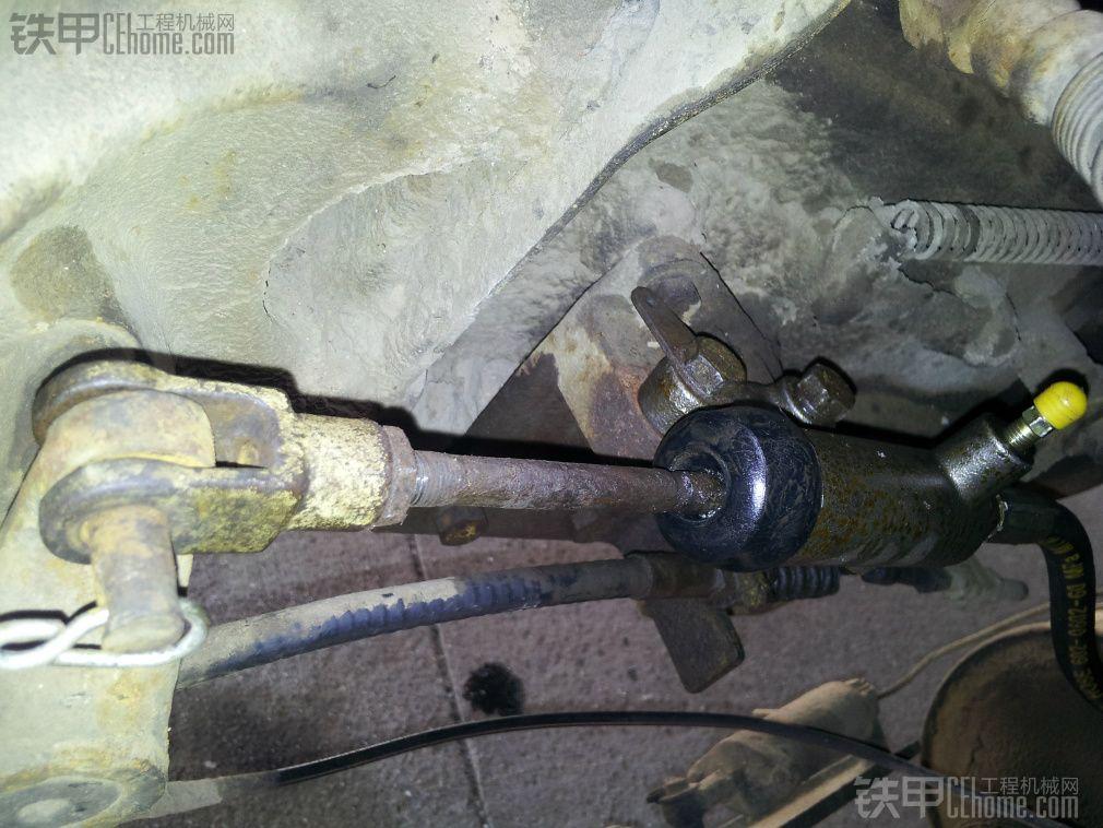 拖车维修离合器