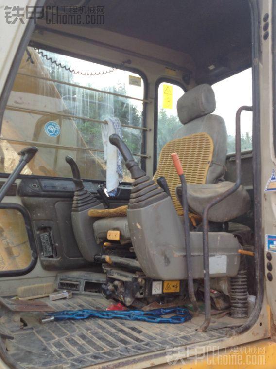 加藤 HD512 二手挖掘机价格 30万 10000小时