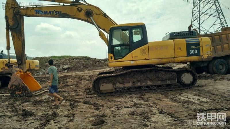小松 PC300-7 二手挖掘机价格 56万 10000小时帖子图片